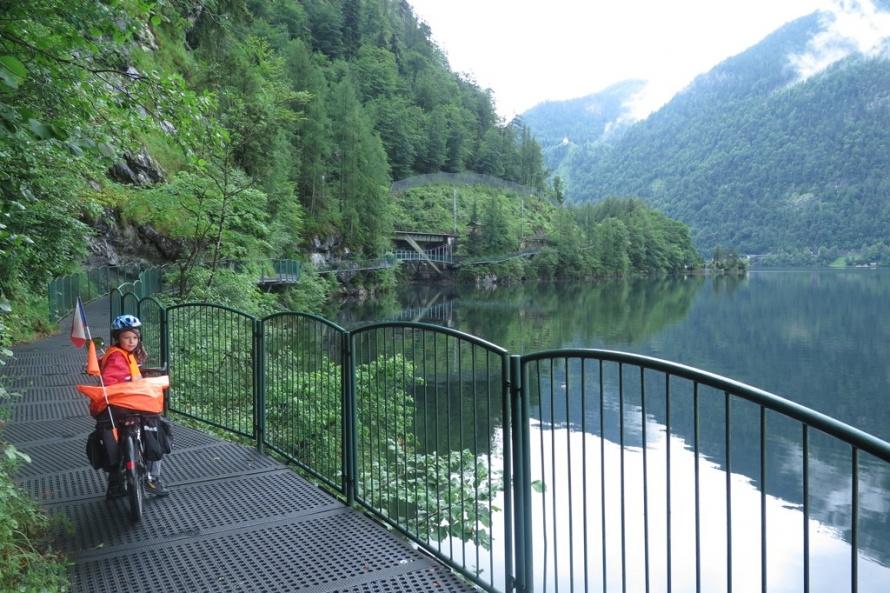 Cyklostezka do Halštatu přes jezero